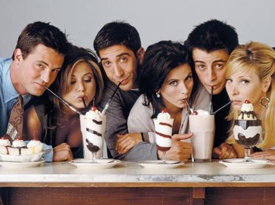 O seriado Friends, a saga Harry Potter, todo o universo da Disney e até mesmo a banda Rouge (do hit Ragatanga, lançado em 2002), foram algumas das referências tradicionais que também foram criticadas. Agora, a moda é gostar de K-pop e Olívia Rodrigo