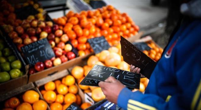 Desvalorização do peso após eleições primárias afetou preços dos alimentos