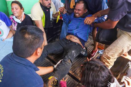 Pelo menos 24 pessoas ficaram feridas em confronto
