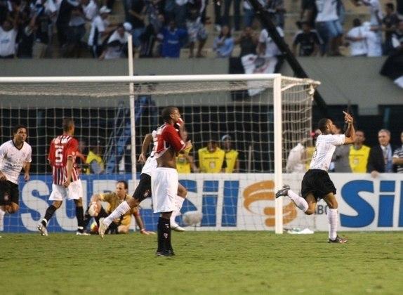 Cristian - Corinthians 2 x 1 São Paulo - 2009 - Em outra semifinal, desta vez no Paulista de 2009, Corinthians e São Paulo empatavam em 1 a 1, quando o volante Cristian acertou uma bomba de fora da área aos 48 minutos do segundo tempo, marcando o gol da vitória corintiana.