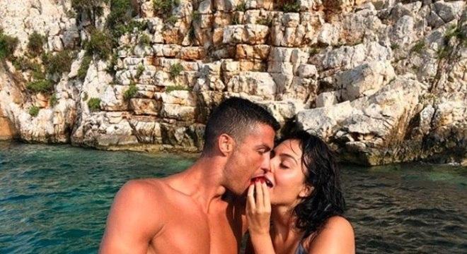 Cristiano Ronaldo curte férias com a namorada, Giorgina Rodríguez, e os filhos