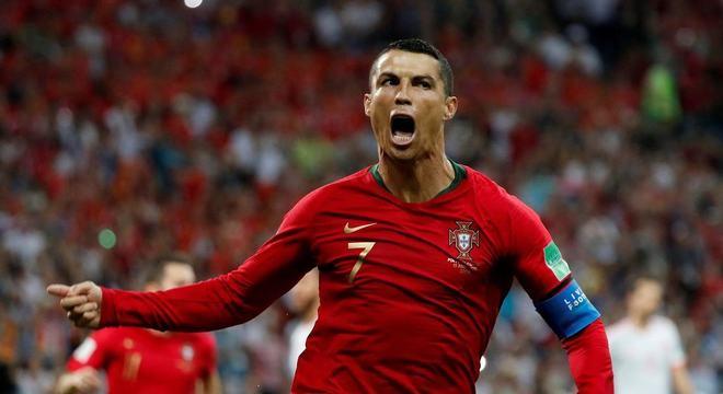 Cristiano Ronaldo marcou três gols na estreia da Copa