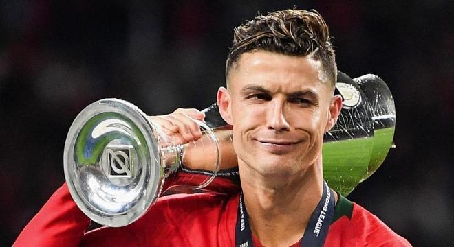 Cristiano Ronaldo, o capitão de Portugal, o primeiro campeão