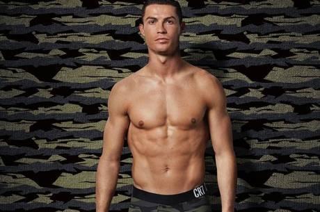 Cristiano Ronaldo não tem tatuagens, pois doa sangue