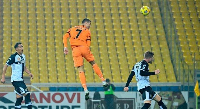 A impressionante decolagem do CR7 em Parma 0 X 4 Juventus