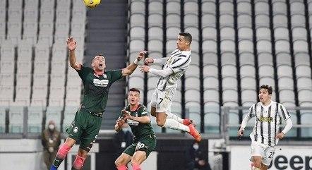 Cristiano Ronaldo em mais um salto espetacular