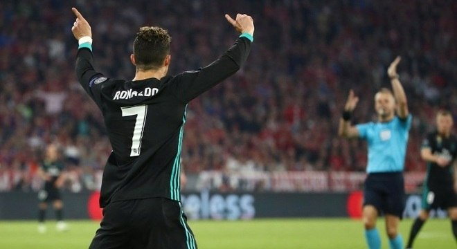 Ronaldo marcou o dele contra o Bayern de Munique, mas o árbitro anulou o lance