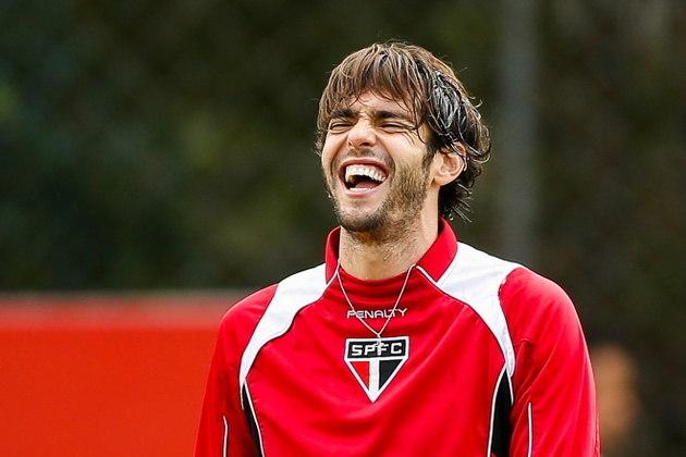 Kaká: revelado pelo São Paulo em 2001, Kaká foi campeão do torneio Rio-São Paulo em sua primeira passagem. Em 2014, voltou ao Tricolor por empréstimo e formou uma espécie de quadrado mágico, com Ganso, Pato e Luís Fabiano