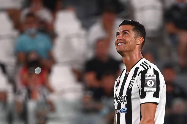 Cristiano Ronaldo - Atacante português tem o desejo de deixar a Juventus e agente do atleta o ofereceu ao Manchester City