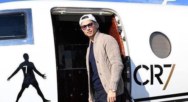 Cristiano Ronaldo utilizou seu avião particular para voltar à Itália
