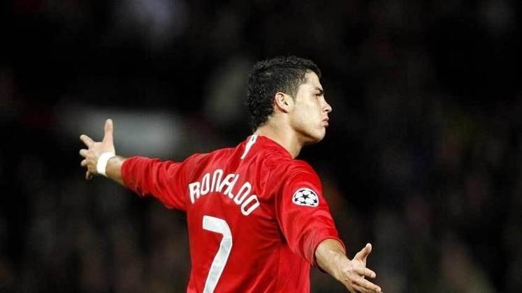 Cristiano Ronaldo - craque português foi campeão da Champions League e eleito melhor do mundo pelo Manchester United. Jogador fará a sua reestreia pela equipe neste sábado (11).