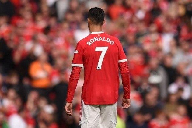 Cristiano Ronaldo em campo com a lendária camisa 7