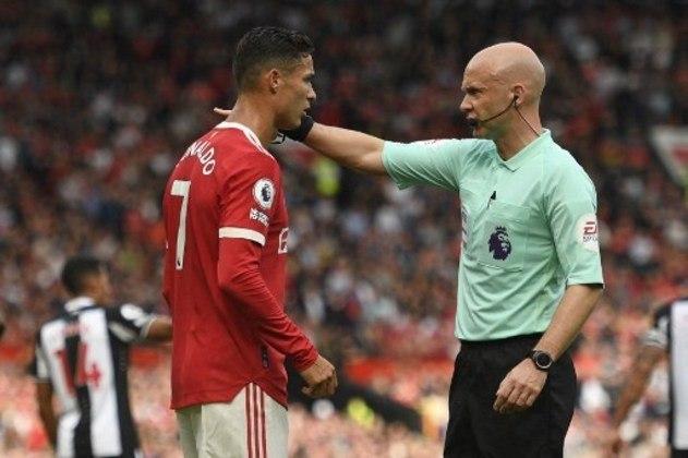 Cristiano Ronaldo ficou na bronca com algumas marcações da arbitragem durante o primeiro tempo