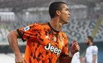 Neste domingo (1), algumas partidas aconteceram pelos gramados europeus. Além do retorno de CR7 com dois gols pela Juventus, O Milan também contou com a estrela de seu grande atacante, Ibrahimovic. Confira os resultados das partidas que aconteceram pelos gramados europeus