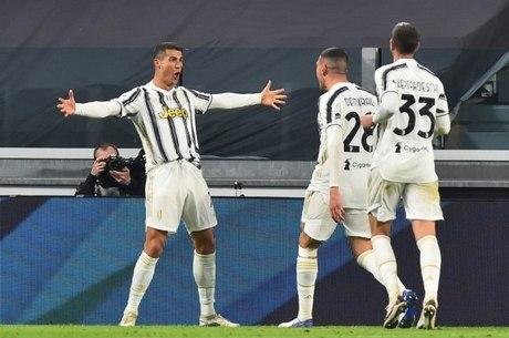 Cristiano Ronaldo comemora mais um de seus gols