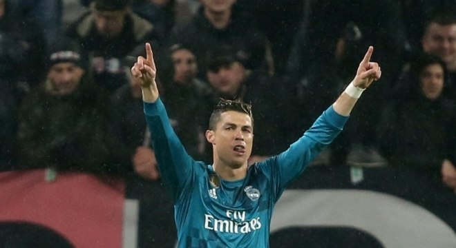 Cristiano Ronaldo faz gol de bicicleta e Real Madrid vence da ... ce2b4a52e063f