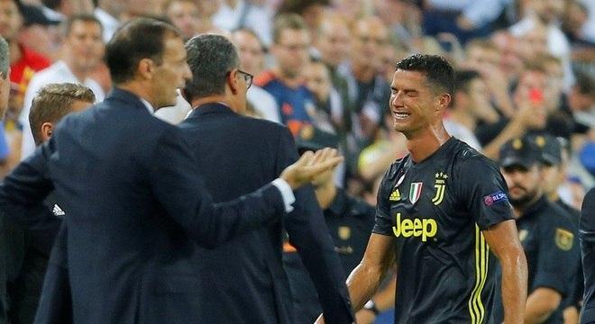 Cristiano Ronaldo foi o único culpado por sua expulsão. Agiu como menino mimado