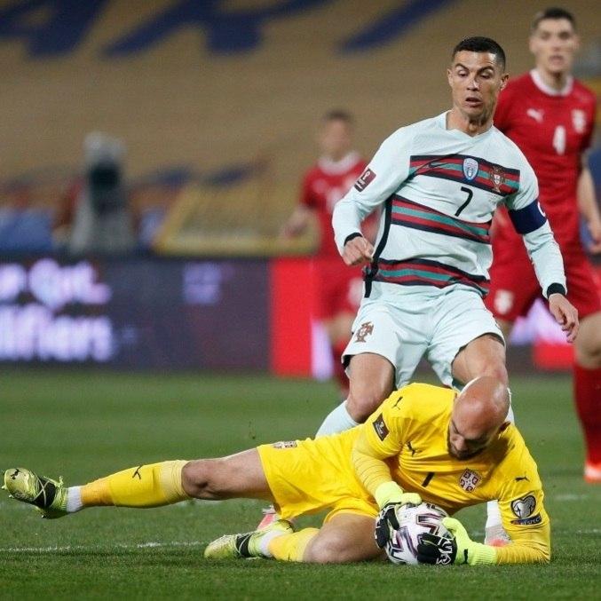 Portugal de Cristiano Ronaldo apenas empatou com a Sérvia, neste sábado (27)