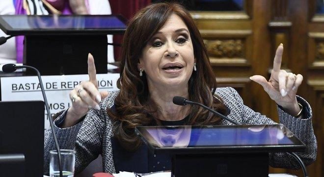 Cristina Fernández responde à dez processos na Justiça, metade deles relacionados à corrupção