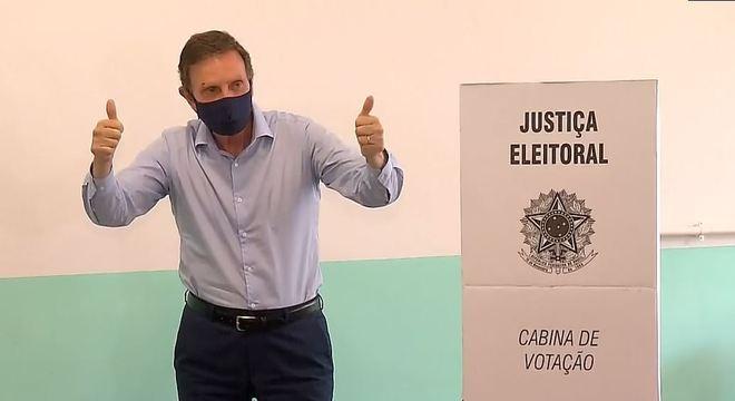 Marcelo Crivella (Republicanos) vota no Rio de Janeiro