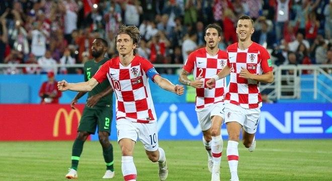 Croácia bate a Nigéria e lidera grupo da Argentina na Copa do Mundo