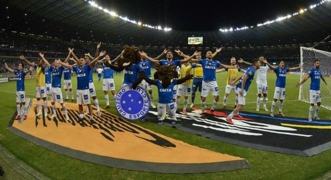 Jogadores do Cruzeiro comemoram vaga na final da Copa do Brasil