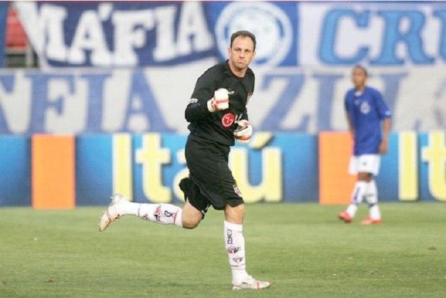Cruzeiro - 7 gols: fechando a lista, temos o Cruzeiro, que também sofreu sete tentos de Ceni. Ele marcou com cinco pênaltis, uma falta e um gol de bola rolando.