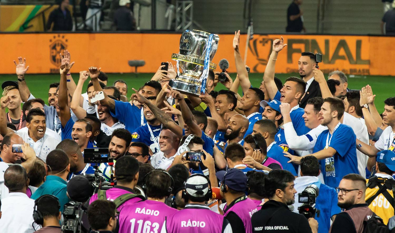 Veja a campanha do campeão Cruzeiro até final da Copa do Brasil - Fotos -  R7 Futebol 23dd46def9753