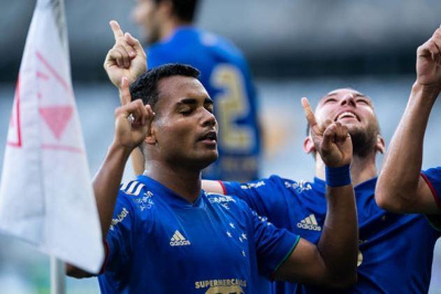 Cruzeiro: cenário 1 (sem transferências de atletas) - Receitas: R$ 91 milhões - Folha salarial: R$ 117 milhões - Receitas x Folha (em %): 128% - Conclusão: acima do fair play financeiro.