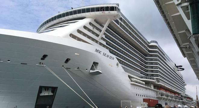 A companhia entregará um vale adicional de 100 a 400 euros para os gastos a bordo