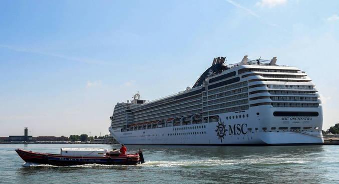 Cruzeiros voltam a circular por Veneza após 17 meses