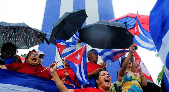 Internet móvel volta a funcionar em Cuba, mas sem acesso às redes sociais