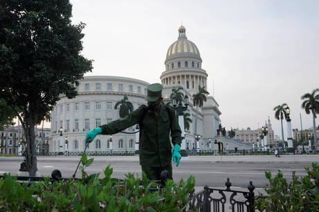 Cuba tem primeiro dia sem mortes por covid-19