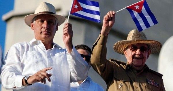 Cuba acusa EUA de retomarem 'roubo' de médicos cubanos