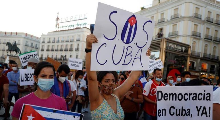 Porta-voz da Casa Branca informou que protestos dos últimos dois dias em Cuba foram espontâneos