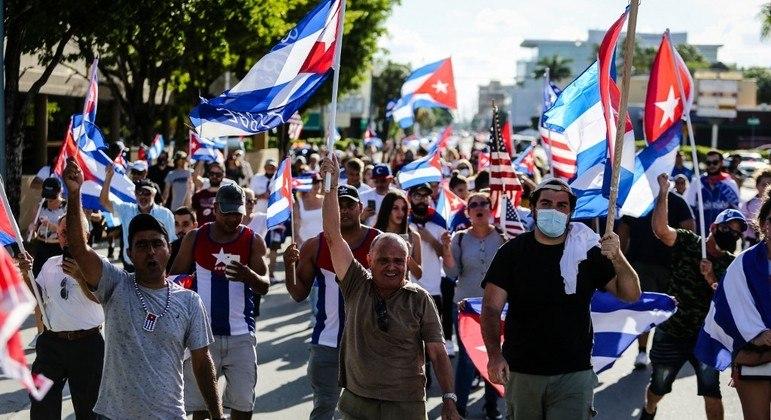 Países como Brasil e Colômbia pedem que Cuba liberte pessoas detidas durante protestos do dia 11 de julho