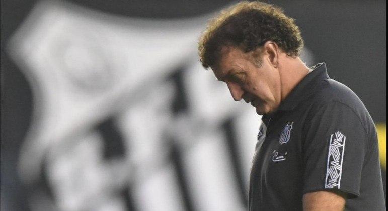 Cuca se cansou dos graves problemas financeiros do Santos. Vai embora