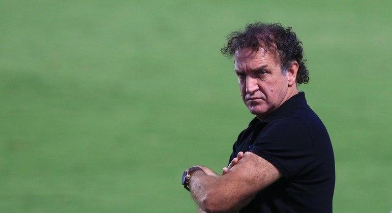 Depois da vitória sobre o Corinthians, Cuca quer deixar o Santos imediatamente