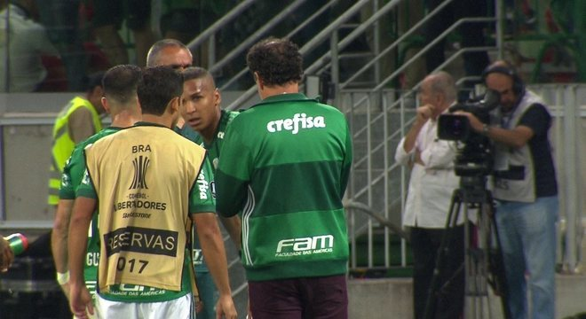 Cuca foi quem mais defendeu a chegada de Deyverson no Palmeiras