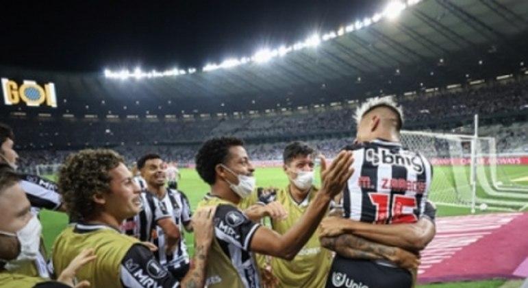 Cuca celebrou seus jogadores e a postura deles em campo diante de gois gigantes da América do Sul