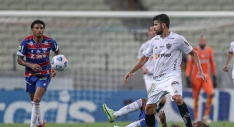 """Cuca elogiou a """"correria"""" do Galo em campo e exaltou a vitória sobre o Fortaleza"""