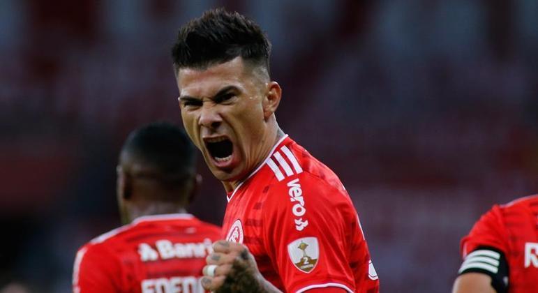 Cuesta fez o gol que abriu a goleada do Inter sobre o Deportivo Táchira