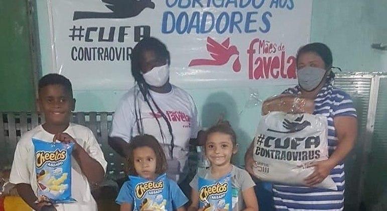 Projeto visa ajudar mães solteiras que moram nas favelas do país