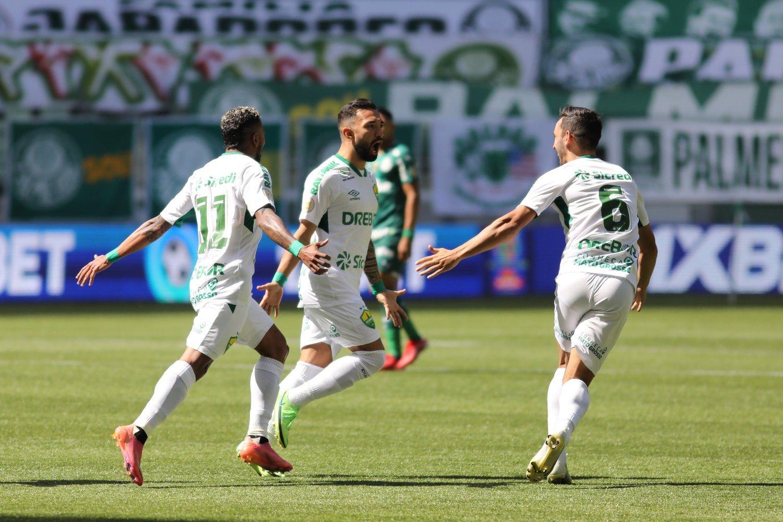 O primeiro gol do Cuiabá. Clayson, ex-Corinthians. Depois, só desespero do Palmeiras