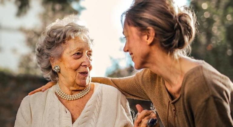 Serviço tornou-se saída para atender os mais velhos em isolamento