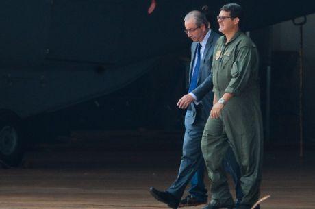 Fachin nega pedidos de liberdade para Cunha
