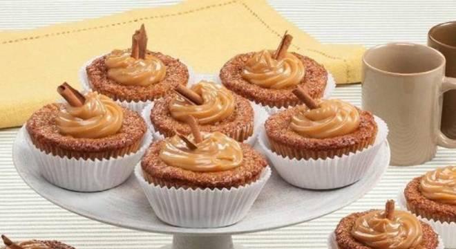 Cupcake de canela e banana