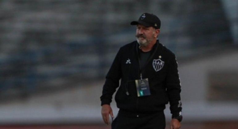 Cuquinha disse que o excesso de cruzamentos foi pela circunstâncias da partida contra o La Guaira