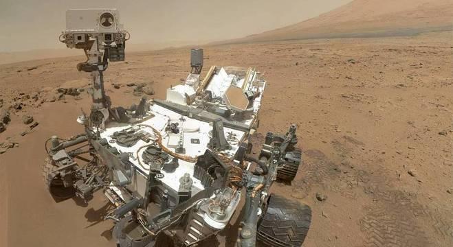 Curiosity inciou a missão de explorar a superfície de Marte em 2012