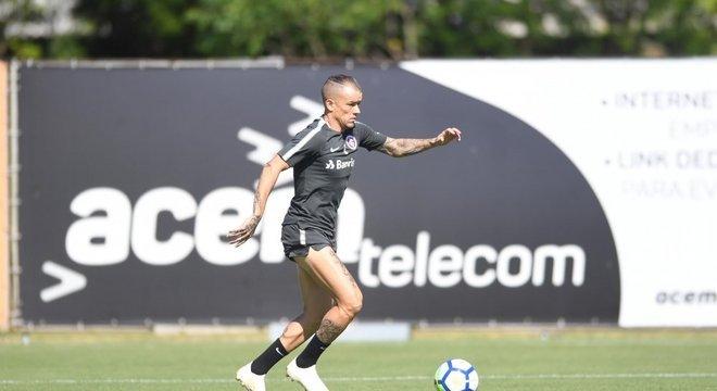 D´Alessandro treinou com reservas do Inter após cumprir suspensão Crédito: Ricardo Duarte / Inter / Divulgação / CP